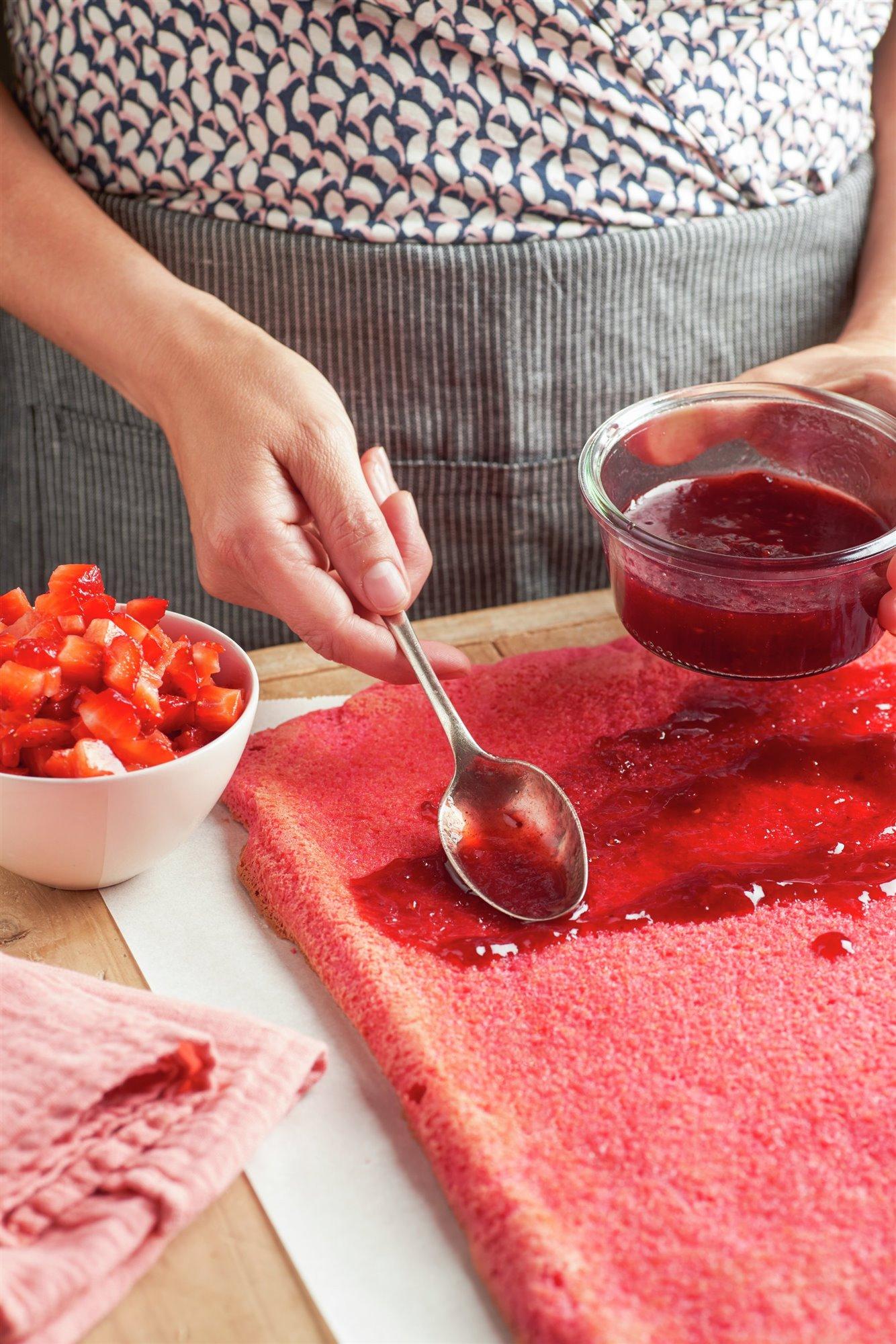6. Reparte la mermelada