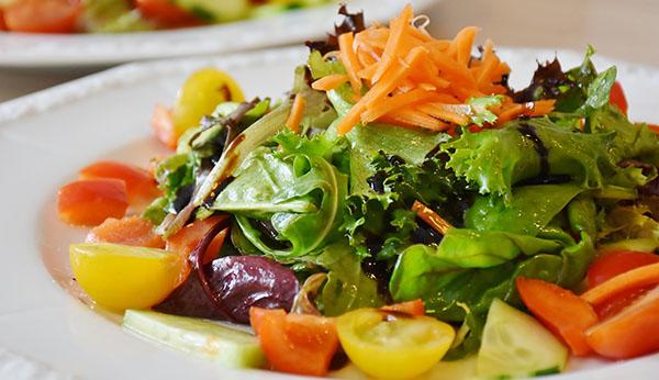 20 recetas de ensaladas de verano.  Una selección de recetas de ensaladas saludables, fáciles de preparar y sobre todo refrescantes.