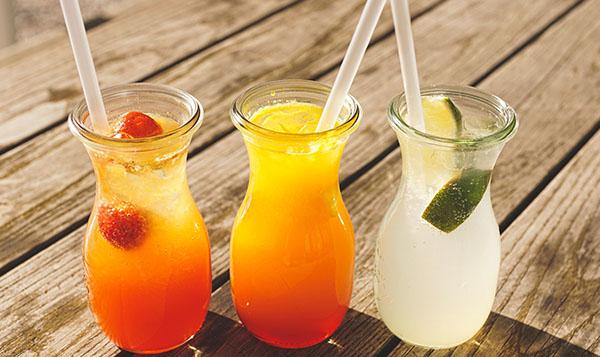 Recetas refrescantes para bebidas de verano.  Bebidas caseras seleccionadas, perfectas para los días más calurosos del año.