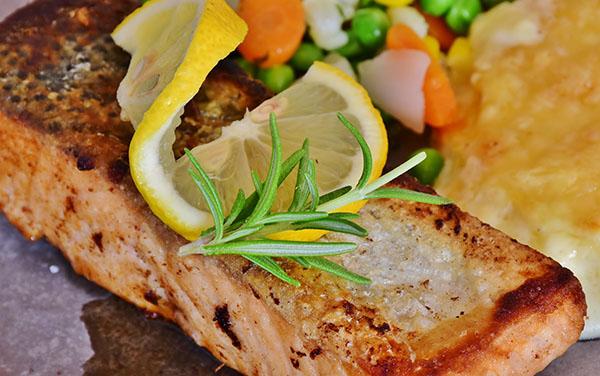 Recetas de pescado para Navidad.  Elija las recetas perfectas de pescado y marisco para preparar un menú navideño especial para usted.
